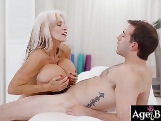 Aubree Ice has a gorgeous and cute face and alluring body to match