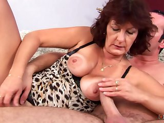 Mature Prostitute Satisfies his Cock and Takes the Jizz on her Face