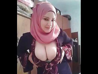 شاهد فضيحة بنت محجبة جميلة مع عشيقها عربي