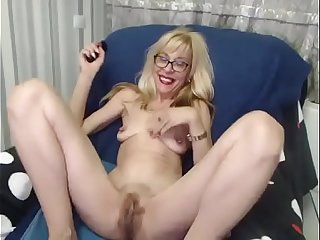 Hairy Granny with big Cunt on Cam