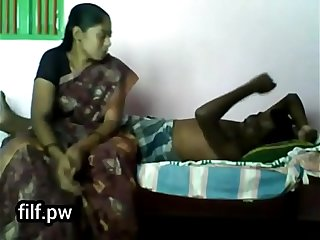 Desi village aunty illegal affair with her lover // Watch Full 21 min Video At