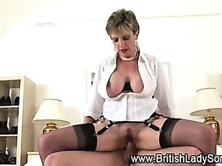 Watch british Lady Sonia get a facial