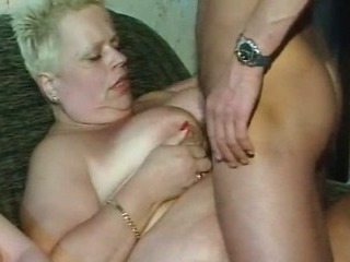 Chubby and fat mature slut want to feel