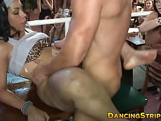 Ebony amateur gives pussy to stripper